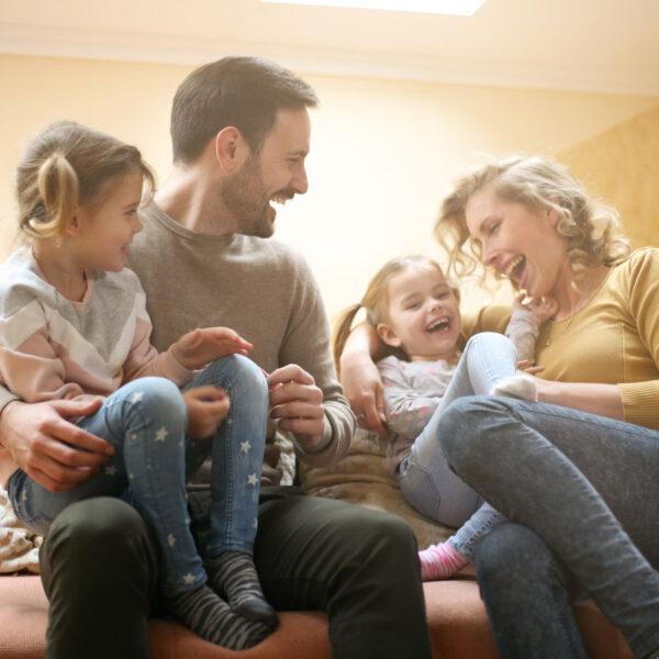 glad familj soffa